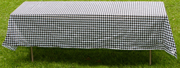 Disposable Houndstooth Table Covering